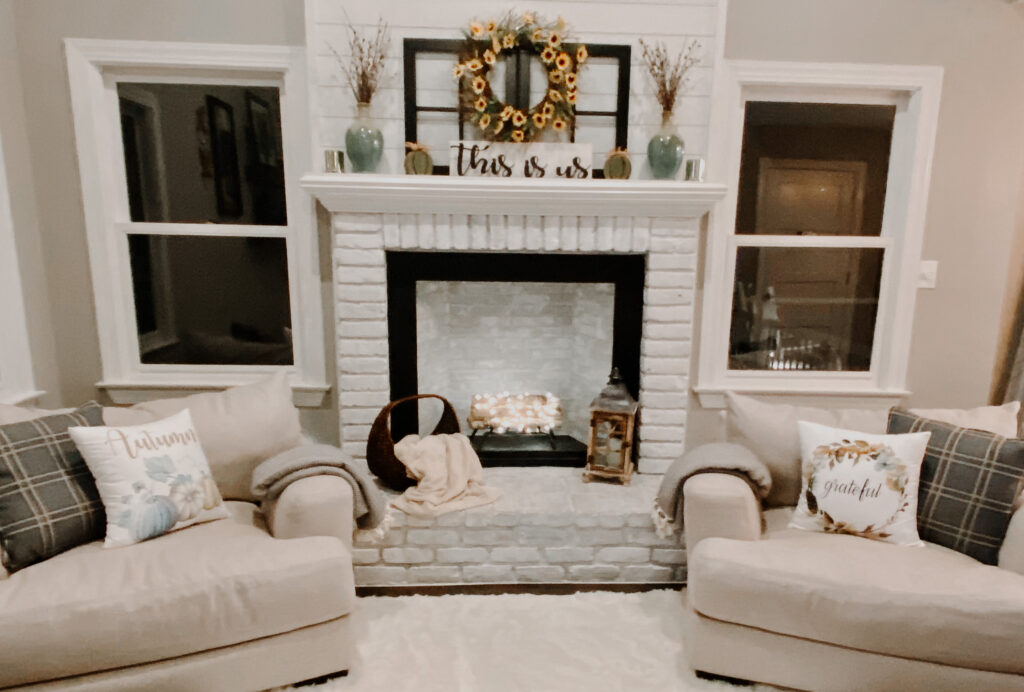 thanksgiving fireplace decor